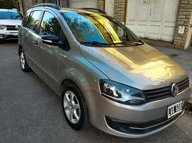 Vendo Volkswagen Suran 2012 nafta/GNC en impecable estado