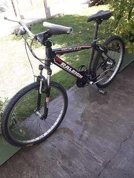 Vendo bicicleta raleigh mojave 2.0  rod 26