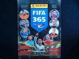 Álbum Panini Fifa 365 2017 incompleto
