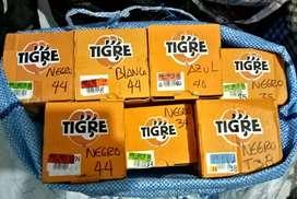 Zapatillas tigre de lona hombre nueva ,origuinal c.u 35 ...tallas 44 negra,blanca, y maw