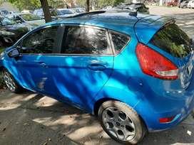 Ford fiesta kinetic design titanium modelo 2013 con 85000 km  .