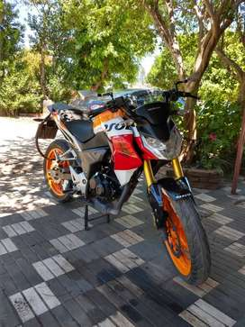 Vendo Honda CB 190 Repsol