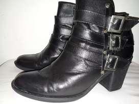 Zapatos en Cuero Talla 38 Dama .usados.