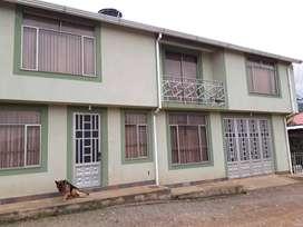 Casa familiar ubicada en la zona mayor valorizaciónurbana de Pacho Cundinamarca, once años de antigüedad.