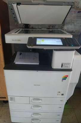 Vendo impresora Ricoh MP C3502