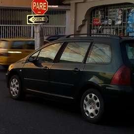 Elegante Peugeot 307 Station Wagon Frances version Full