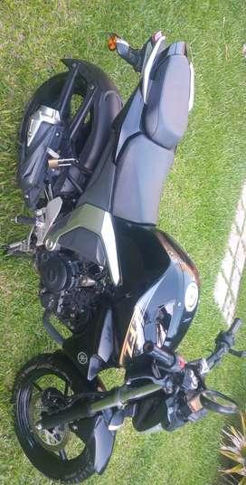 Yamaha FZ 2.0. modelo 2015 con 8000 kmts.