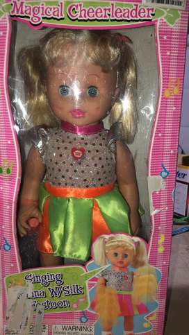 Muñeca a pilas nueva