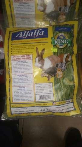 Alfalfa Natural para Animales Pequeños.