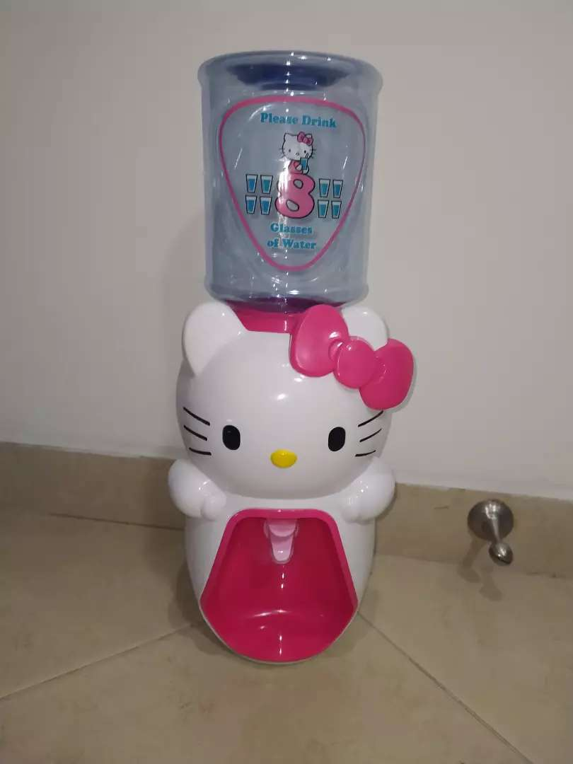 Dispensador de agua hello Kitty 0