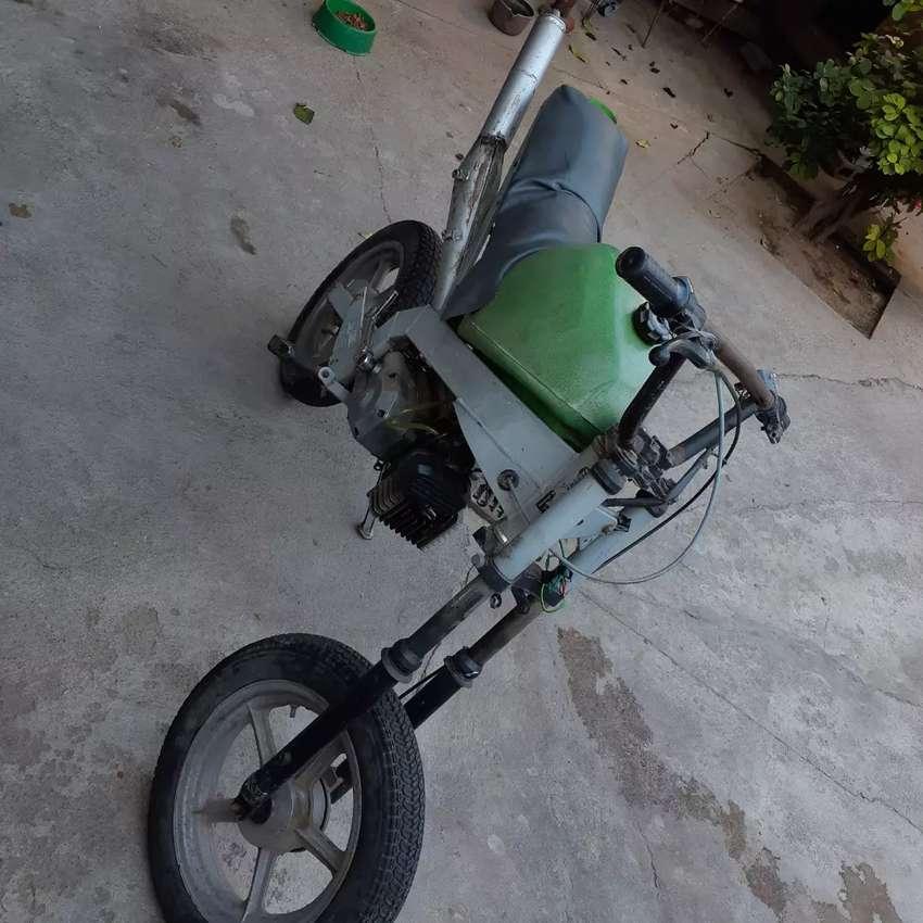 Vendo moto cilindrada 50