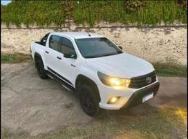 Toyota hilux limited 4x4 manual 2.8