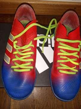 Botines Adidas Némesis Messi talle 32