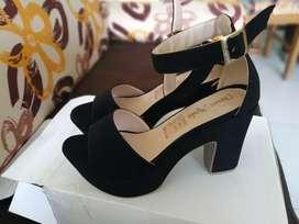 Se venden zapatos