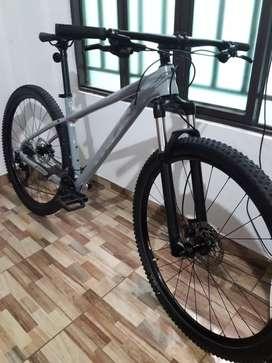 se vende bicicleta trek xcaliber 8 como nueva