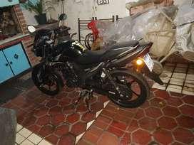 Yamaha sz-rr 150 negra