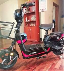 Se vende scooter