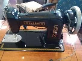 Maquina de coser Wertheim con mueble