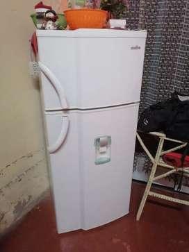 Refrigeradora marca mabe