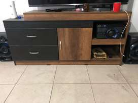 Mieble de televisor con cajones