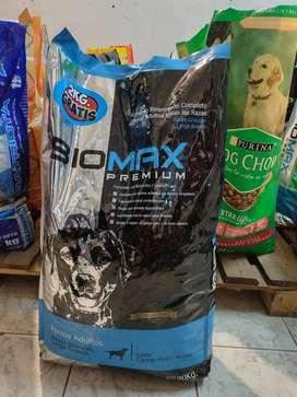 ALIMENTOS BALANCEADOS -  Biomax Premium Adulto