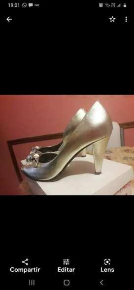 Zapatos dorados N 37