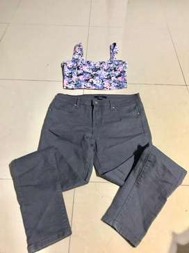 Pantalon y crop top tall S