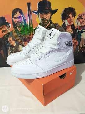 Nike Jordan Retro 1 Talla 38 Nuevas!!
