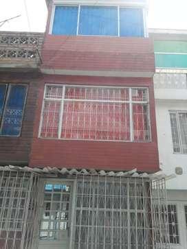 Se vende casa en Bosa Carbonell, negociable