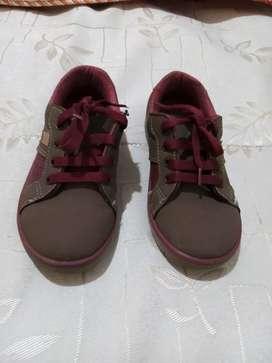 Zapatos usados Bubbles gummets talla 29