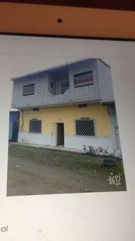 Se vende casa en la troncal 2 piso