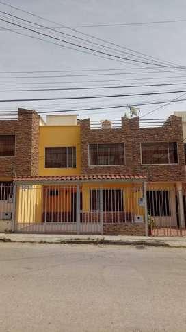 Se vende Linda Casa en la Daniel Álvarez