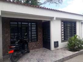 Vendo Casa y apartamento barrio Agustín Sierra costa sala comedor 3 alcobas patio garaje escritura al día