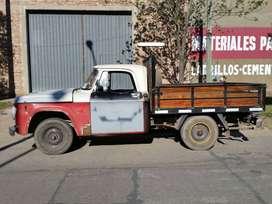 Camioneta Dodge Modelo '71 con motor Perkins 4 Pot