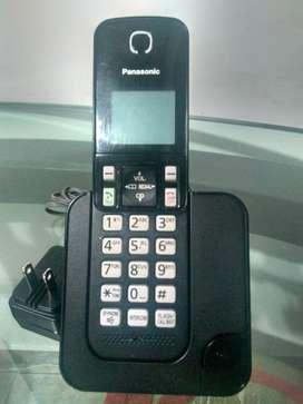 TELEFONO INALAMBRICO PANASONIC KX TGC350LA en excelente estado