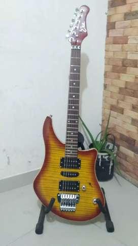 Guitarra eléctrica Eko GG3 italiana con Floyd Rose muy rara + estuche + correa