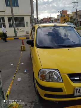 Vendo o permuto taxi Hyundai atos.no esta trabajando desde hace dos años