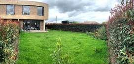 Casa Campestre en Chía con amplia zona verde privada. Lote de 245m2 en conjunto Cerrado para entrega en Enero 2021