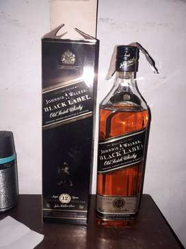 JHONNIE WALKER BLACK LABEL 12 YEARS