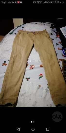 Pantalón Roottcon Zara