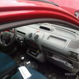 Vendo lindo Renault Twingo todo perfecto tecno 12-03-21 soat 15-06-20 pintura llantas perfecto originalnegociable oferte