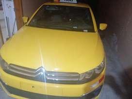 Vendo taxi y puesto