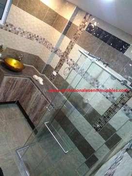 Cabinas para baño en vidrio templado y acero inoxidable