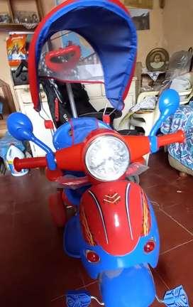 Se vende Motito en forma de triciclo