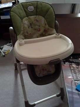 Vendo silla para comer gracco