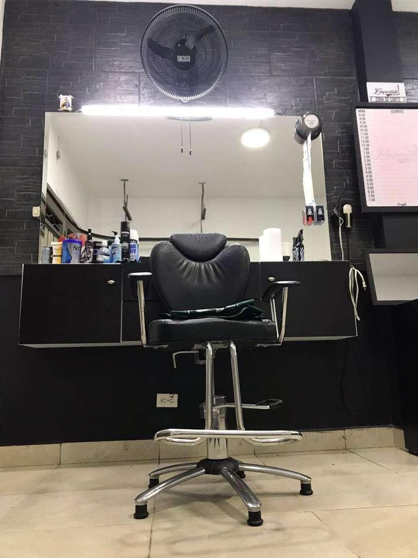 Se Vende Barberia Bien Acreditada En Envigado 0