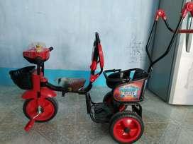 Triciclo casi nuevo usado 4 veces
