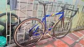 Bici de ruta en aluminio