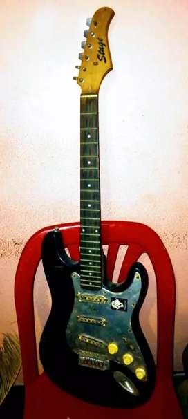 Vendo guitarra electrica o permuto por una guitarra criolla