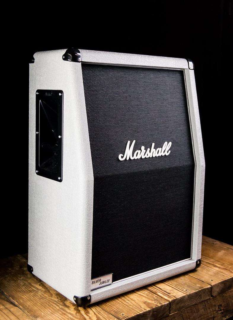 Cabina Marshall 2536a Silver Jubilee 0